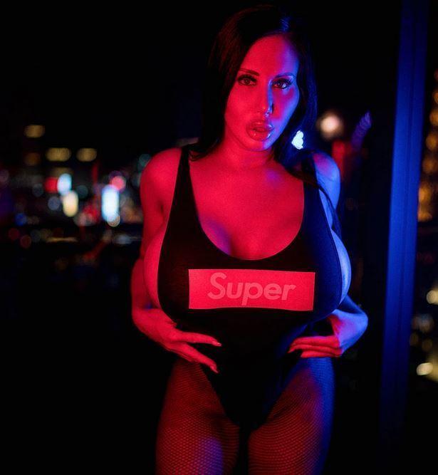Сибил Сталлоне стала живым секс-роботом: кто она и сколько денег вложила, фото