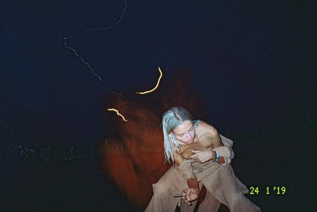 Новые голые фото Алеси Кафельниковой слили в сеть