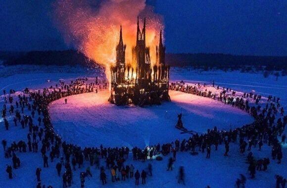 Ініціальна магія. Озвучена містична версія пожежі в Нотр-Дам