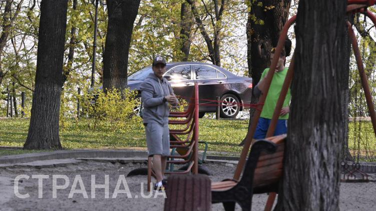 Зеленський попався біля Ради: фото