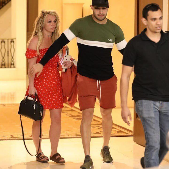 Что случилось с Бритни Спирс и как она выглядит сейчас: фото и видео