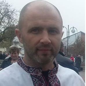 Дмитро Голуб
