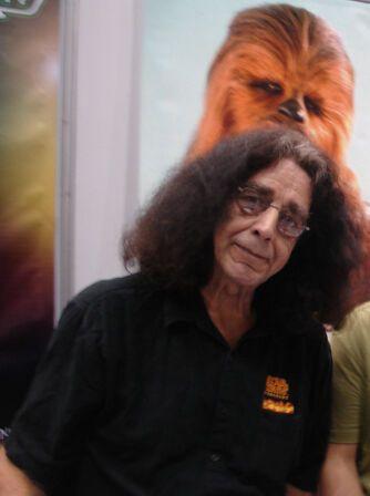 Питер Мейхью умер: как выглядел Чубакка в реальной жизни и что с ним стало