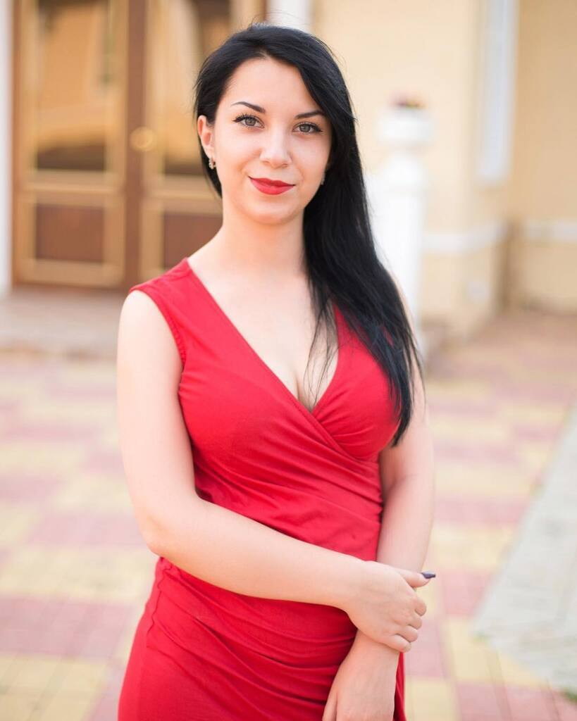 Олена Зуєва