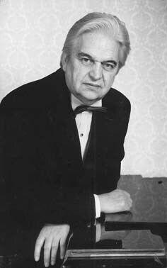 Євген Крилатов