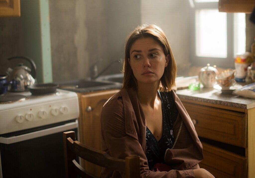 В клетке: о чем сериал, смотреть 1 серию онлайн