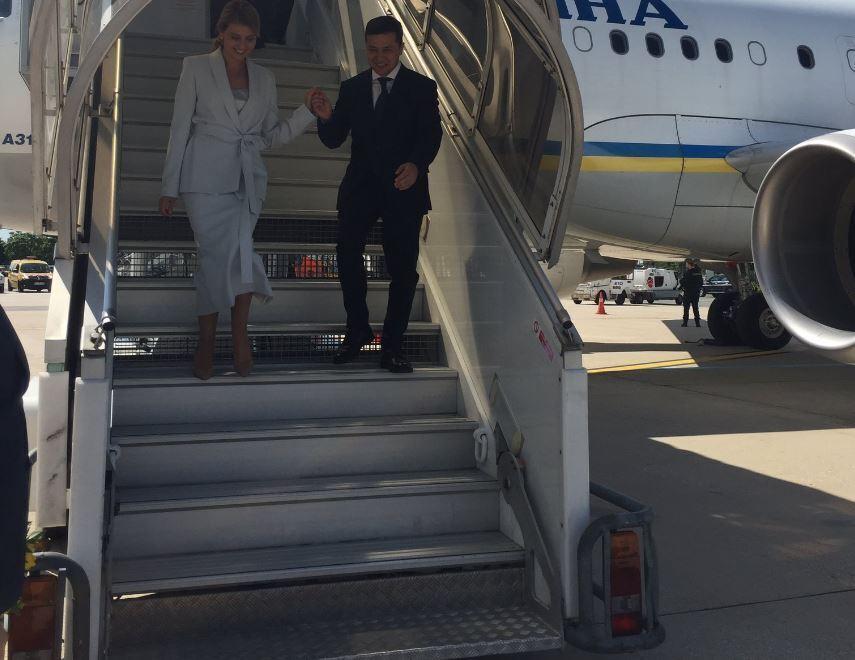 Володимир Зеленський з дружиною прилетів до Франції
