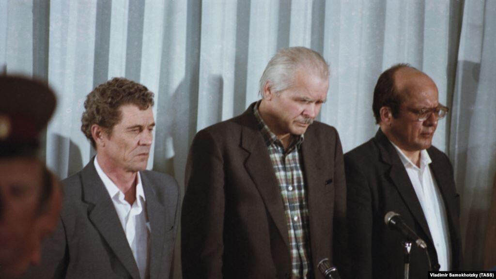 Колишній директор атомної електростанції в Чорнобилі Віктор Брюханов, головний інженер Микола Фомін і його заступник Анатолій Дятлов (в центрі)