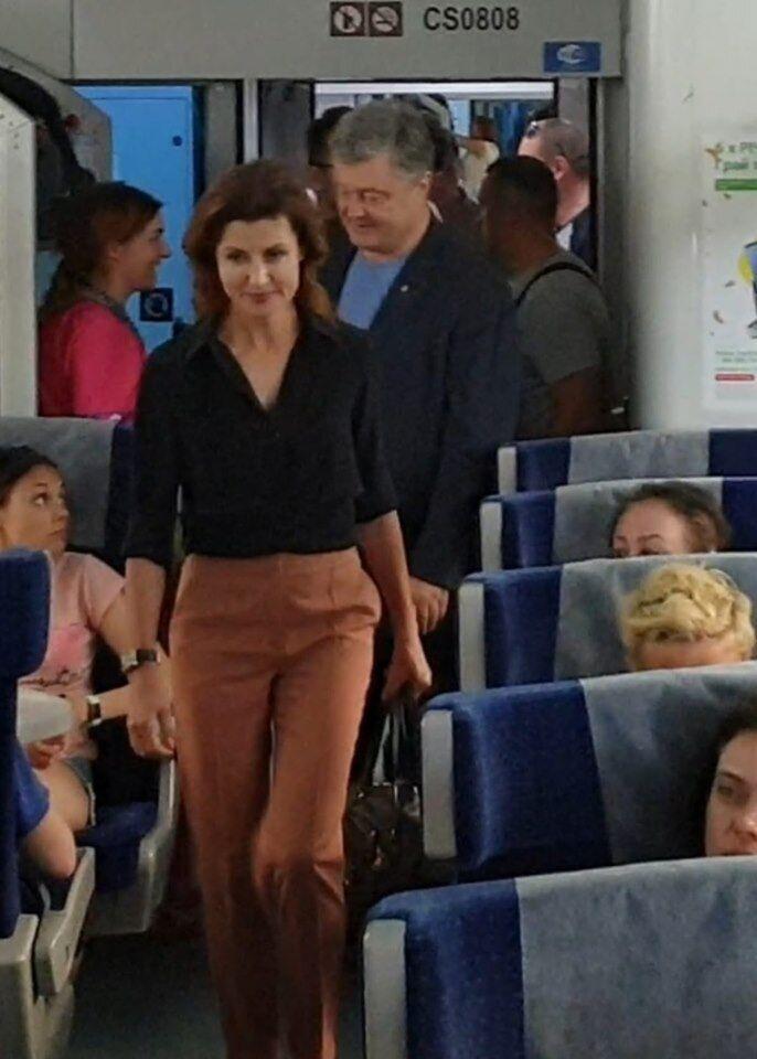 Марина и Петр Порошенко в поезде