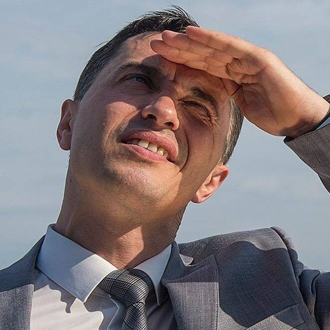 Петр Боднар: кто он, зачем забрался на купол Рады и подставил Зеленского, фото