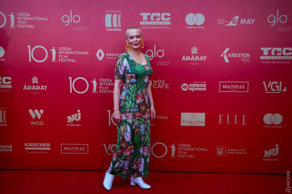 """""""Як це разгледіти?!"""" Фото з червоної доріжки Одеського кінофестивалю підірвали мережу"""