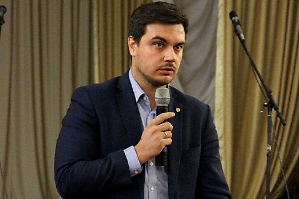 """Хто такий Дмитро Наталуха з партії """"Слуга народу"""" і у який скандал він потрапив"""