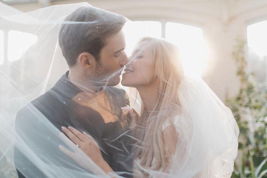 Хто така Марция Бізоньін і які фото з весілля з PewDiePie показала в Instagram