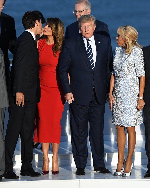 """""""Она предпочла смерть"""": поцелуй Мелании Трамп с Трюдо обыграли анекдотом"""