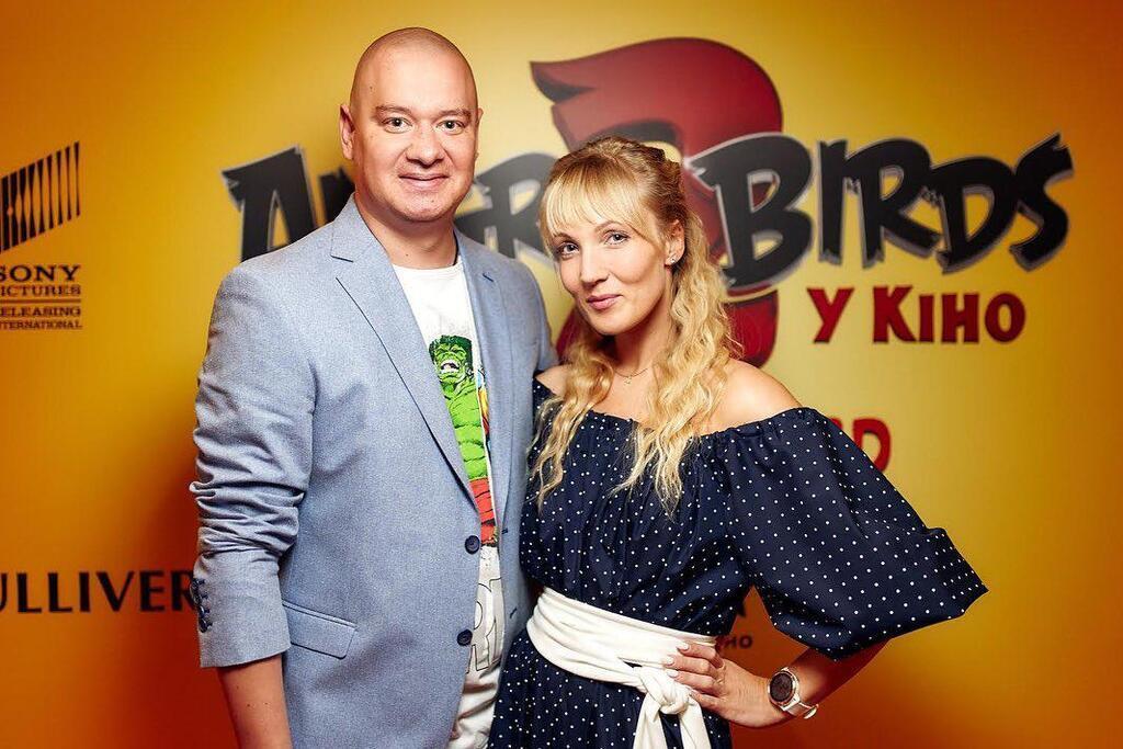 Дружина Кошового влаштувала міні-стриптиз, фото