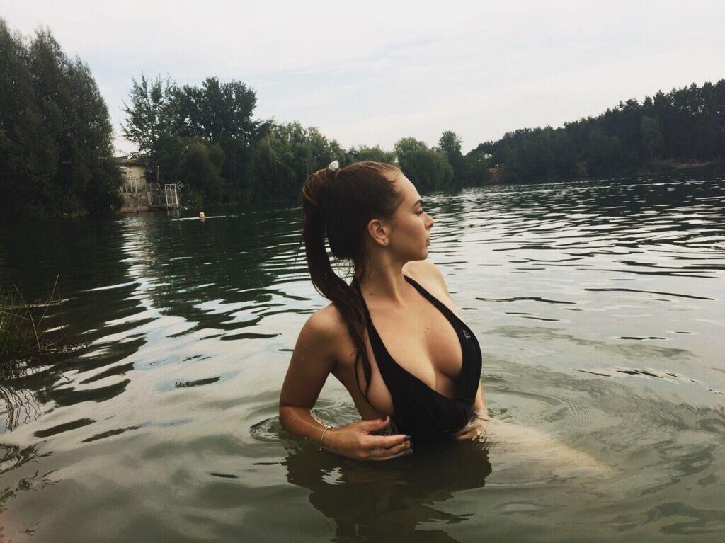 Хто така стрімерша Міхаліна Новаковська і які відверті фото злила в мережу