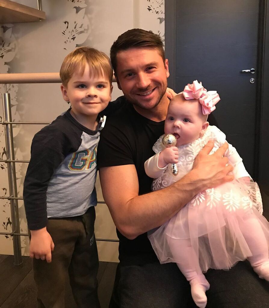 Сергій Лазарев з сином Микитою та дочкою Анною