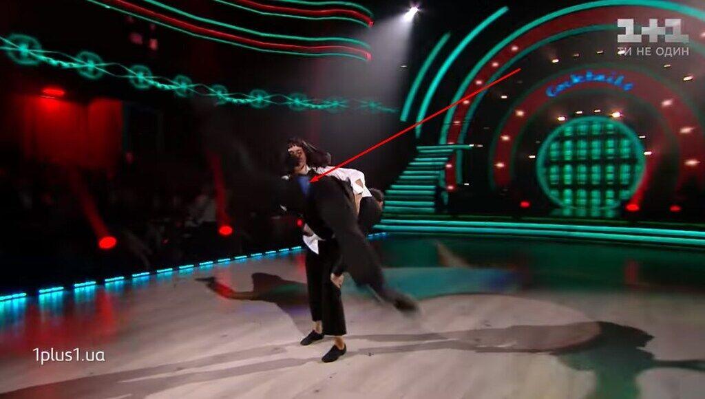 У партнера Людмилы Барбир лопнули штаны во время танца: видео