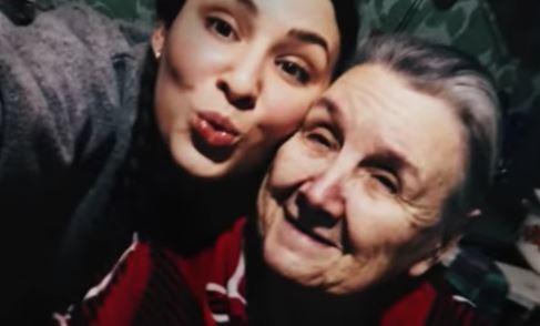 Марув со своей бабушкой