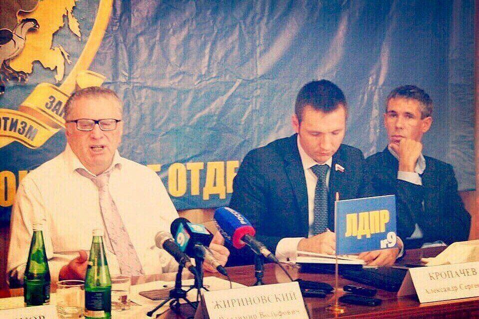 Олексій Панін показав, що робив з Жириновським
