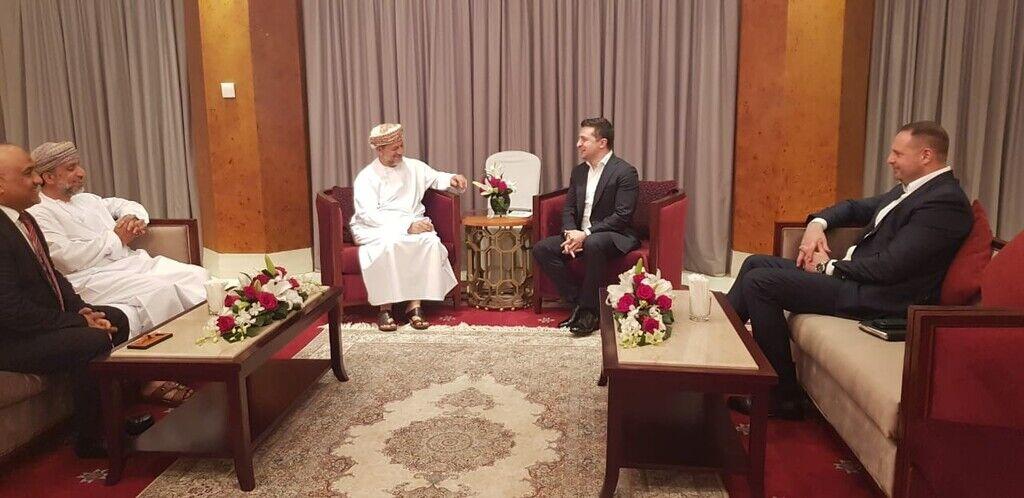 Зеленский вместе с Ермаком в Омане встретились с президентом резервного фонда