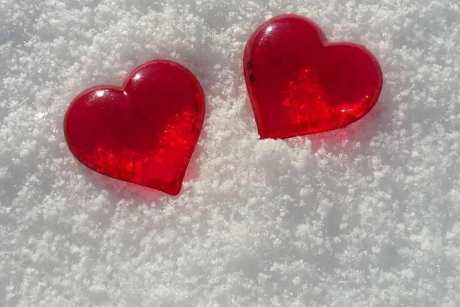 З Днем закоханих! Привытання, вірші, листівки і картинки