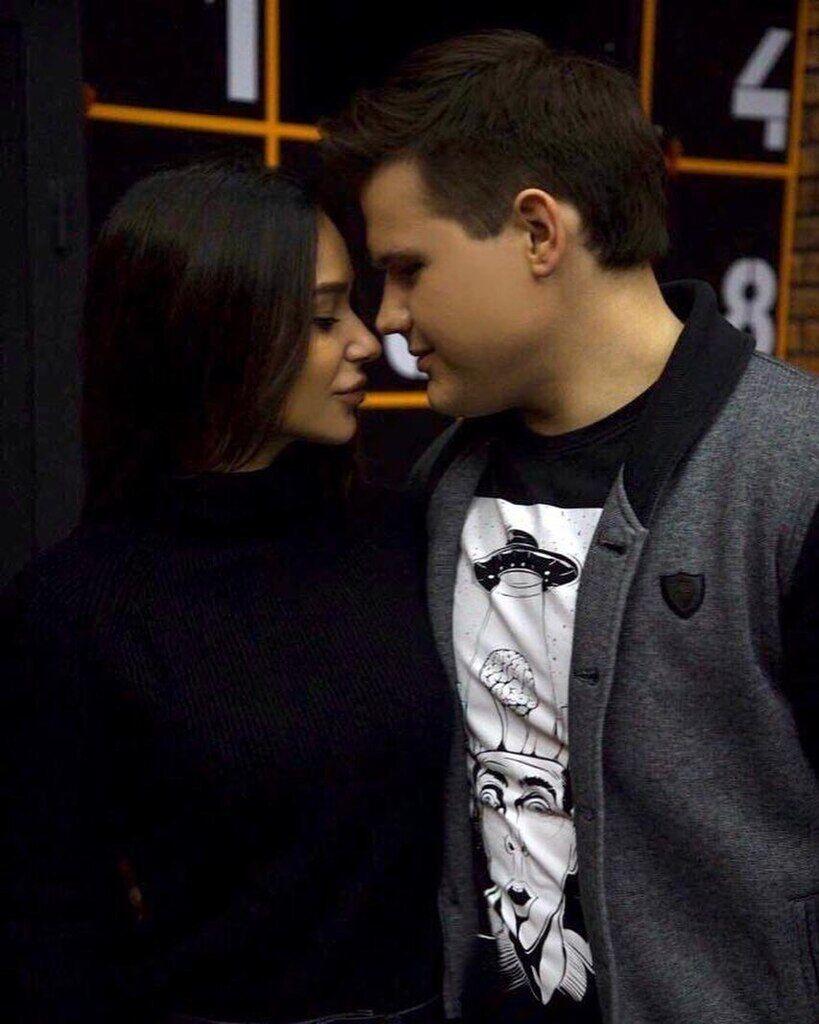 Олександр Порядинський зі своєю дівчиною
