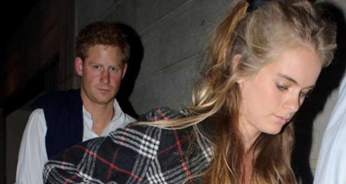 Кто такая Кэролайн Флэк и почему ее бросил принц Гарри, их фото вместе