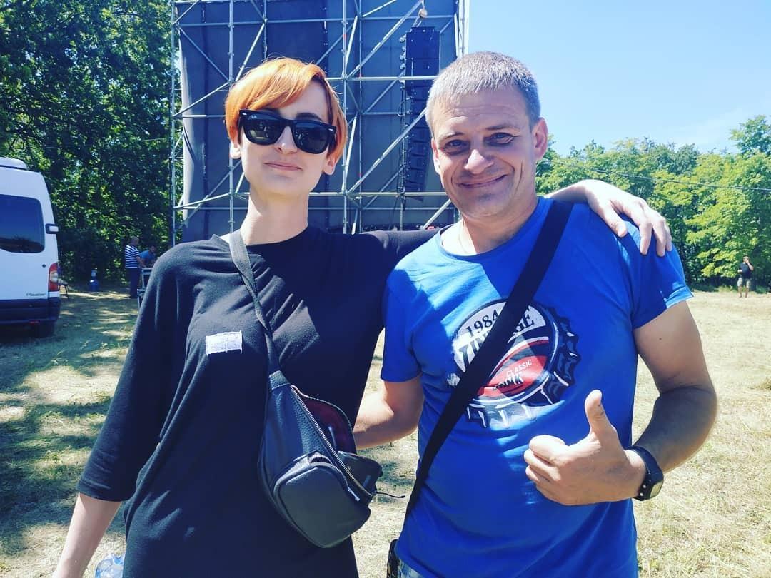 Солистка Go_A Екатерина Павленко с поклонником