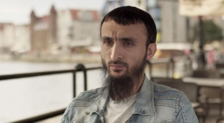 Кто такой Тумсо Абдурахманов, кто на него напал и при чем тут Кадыров, фото и видео
