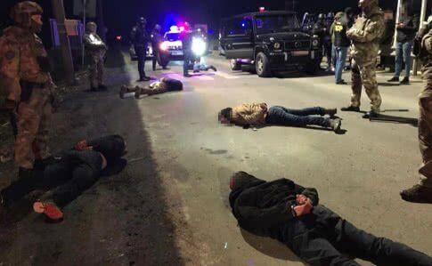 """Стрілянина у Мукачеві: Затримано 7 осіб, які """"планували встановити контроль над регіоном"""", відео"""