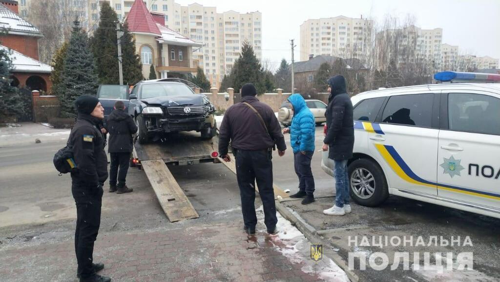 Под Киевом избили полицейского, который оформлял ДТП