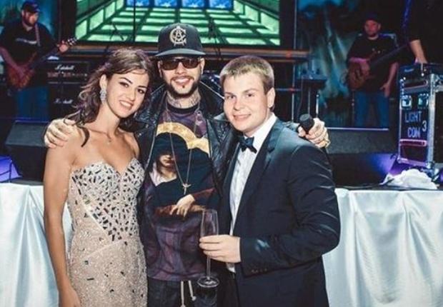 Александр Бакумов с Тимати на свадьбе