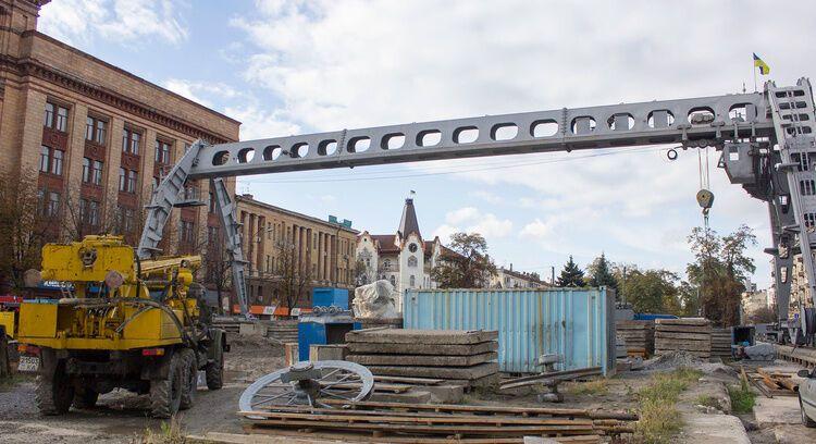 Занадто великі, щоб існувати: будівництва в Україні, що тривають десятиріччями.