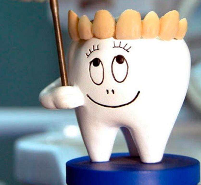 З Днем зубного лікаря! Листівки та картинки для привітання стоматолога