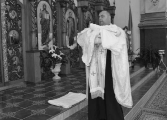 Священик Олег Винницький помер: кого він заразив Covid-19 і що у нього за сім'я, фото і відео