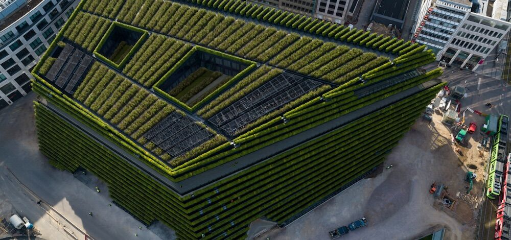 Oфисний центр в Германии полностью покрыли растениями снаружи