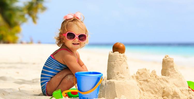 Готовимся к пляжному сезону: какие игрушки пригодятся на море