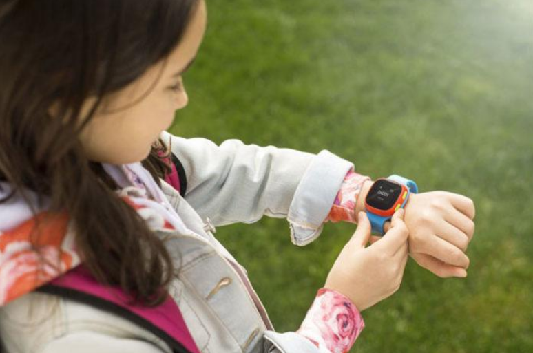 Какие смарт-часы купить ребенку?