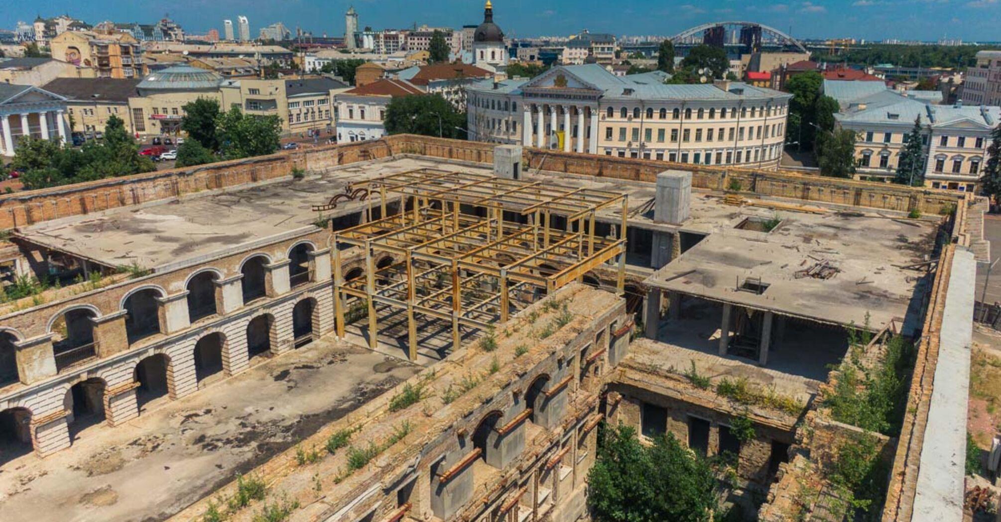 КМДА погодилася прийняти Гостинний двір на баланс міста