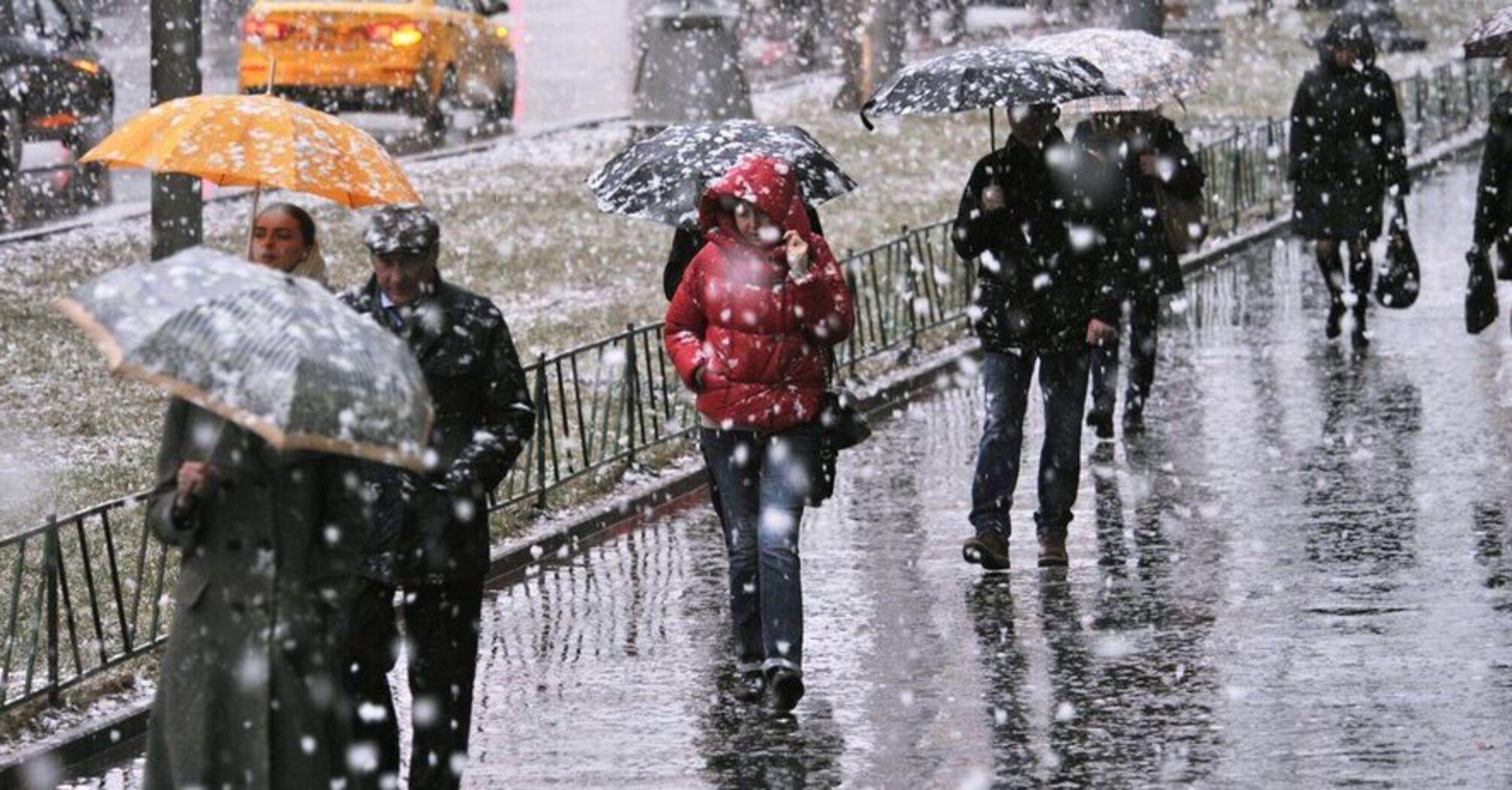 В Украине объявили штормовое предупреждение из-за ветра и гололеда