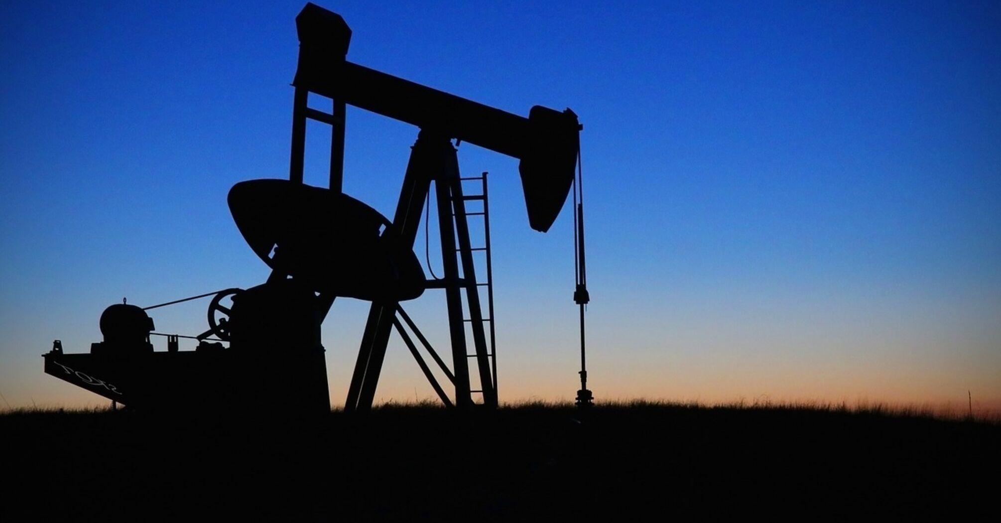 Цены на нефть выросли до максимума с конца февраля