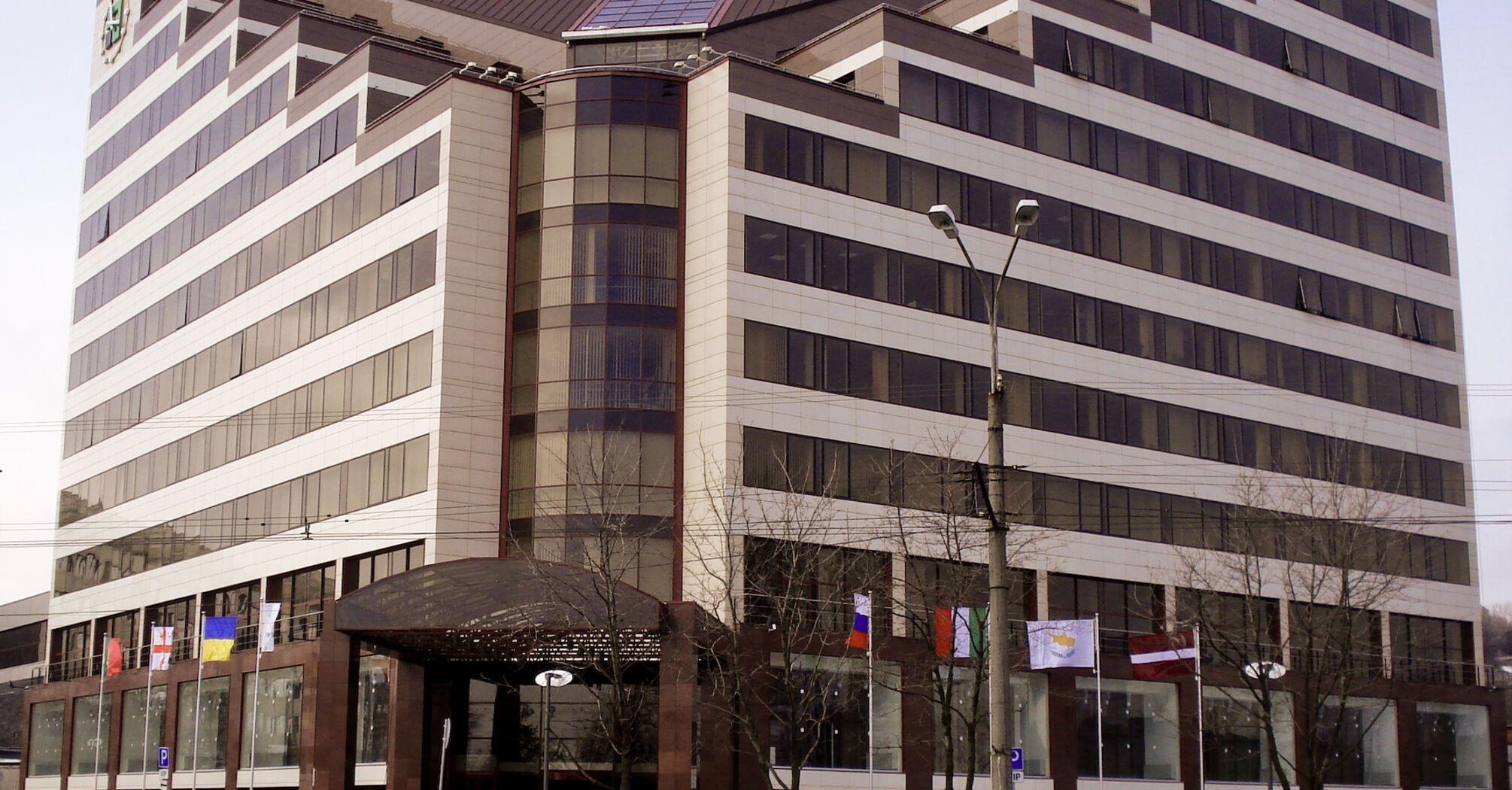 ПриватБанк роз'яснив клієнту щодо своєї роботи в Криму