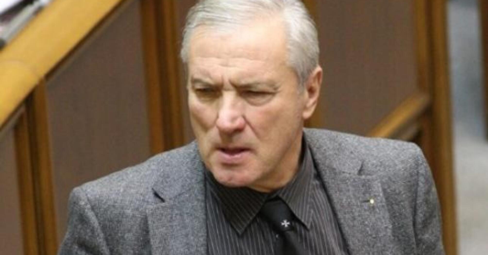 Знайшли плагіат: у брата Віктора Ющенка відібрали ступінь доктора наук з історії України