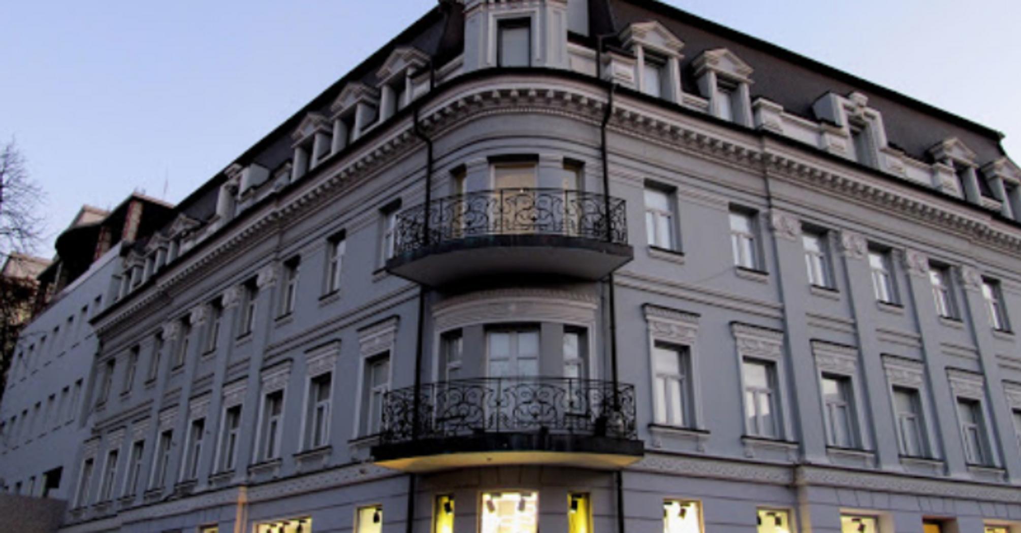 Елітний бутік в центрі Києва, де працював голова ОП, вирішив не закриватися на карантин. Фото