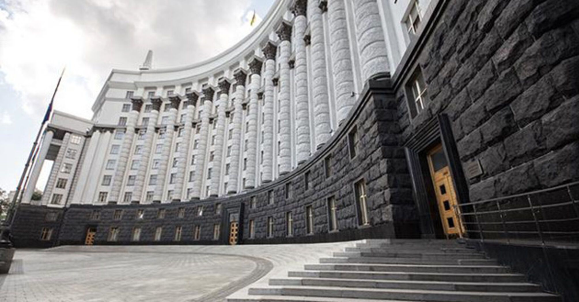 Уряд погодив ліквідацію ДАБІ та створення трьох нових органів.