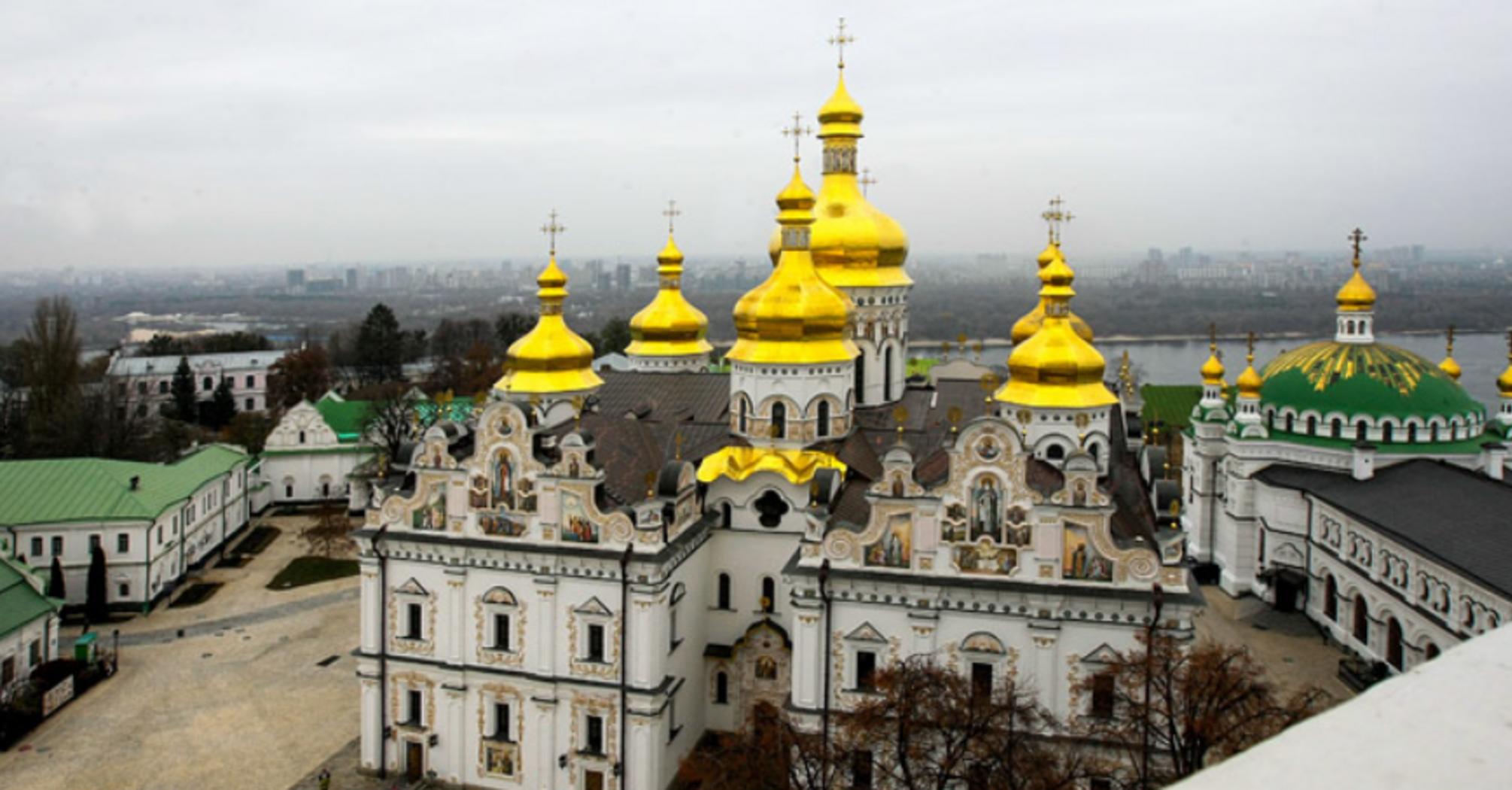 Києво-Печерську Лавру закрили на карантин: від коронавірусу помер монах, настоятеля госпіталізовано