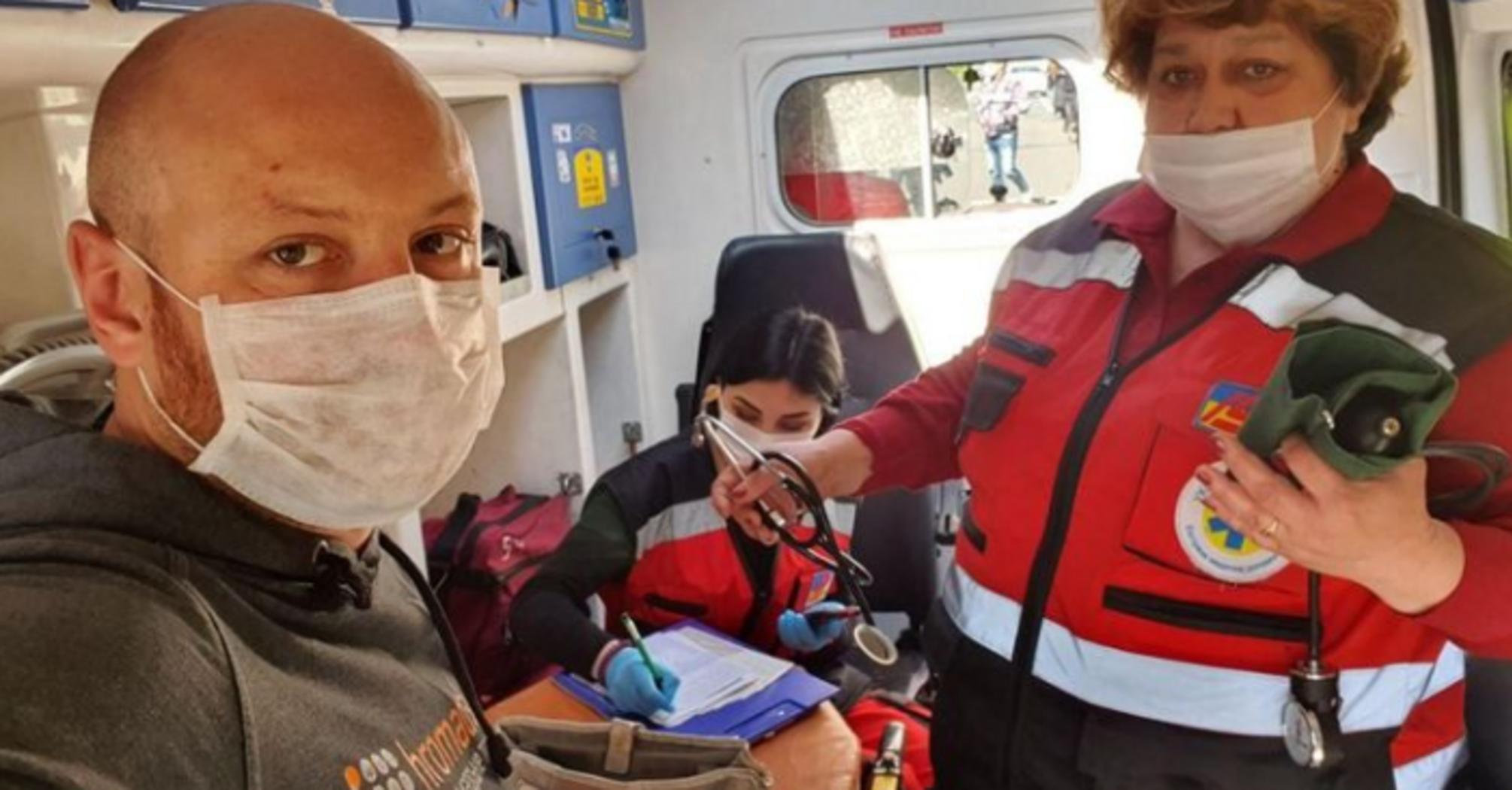В Киеве полиция напала на журналиста Hromadske под зданием Кабмина и сломала его технику