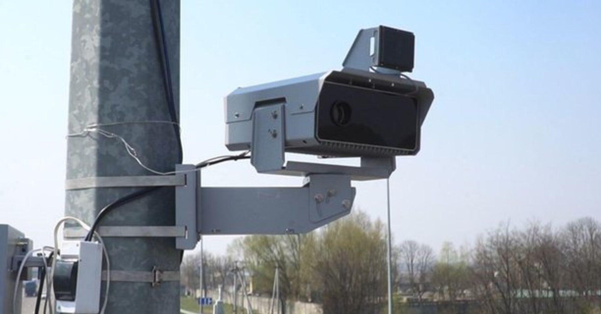 На дорогах Украины появится еще 200 камер фиксации нарушений ПДД