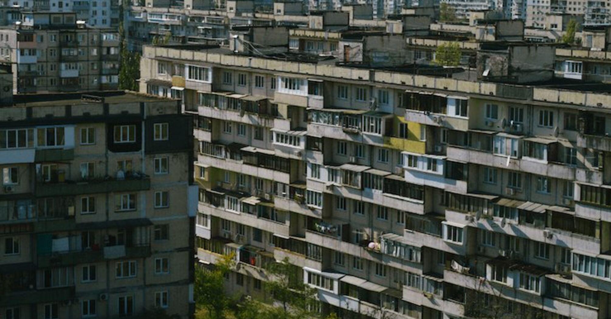 В Україні вийде документальний фільм про засклені балкони.